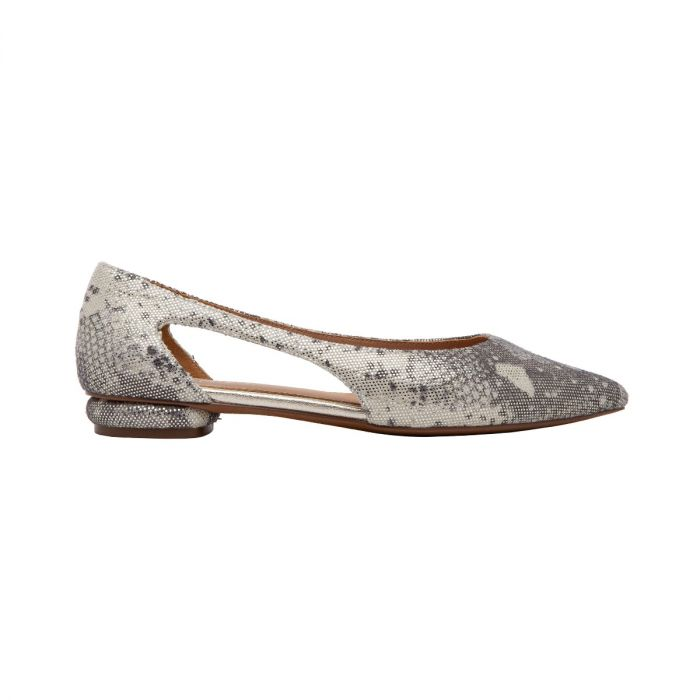 DELPHI II | Contemporary Update on a Pointy Toe Flat with a Modern Twist