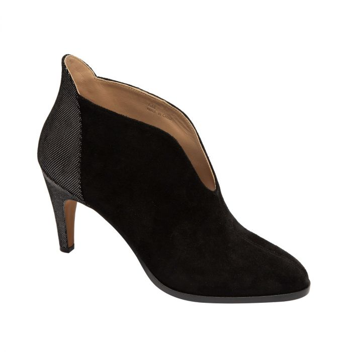 NIA   Scooped Out Pointy Toe High Heel Shootie