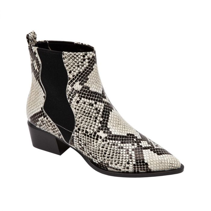 VU II | Western Inspired Leather or Suede Mid-Height Pull-On Bootie